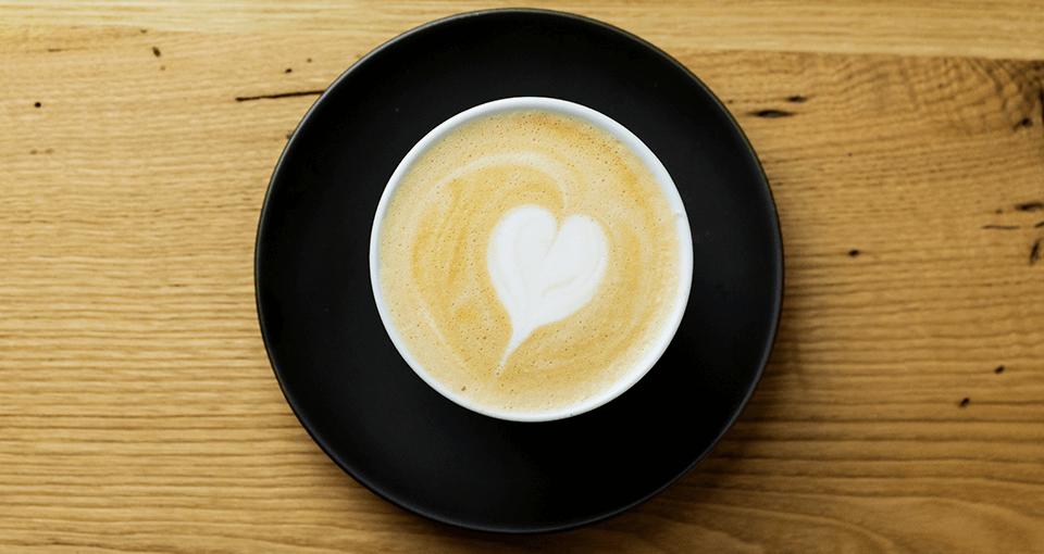 81カフェで自慢のシングルオリジンコーヒーをお楽しみください