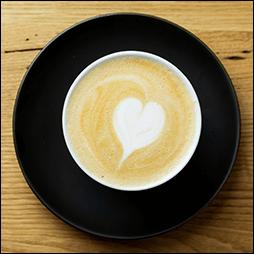 81cafeのエスプレッソ&ミルク